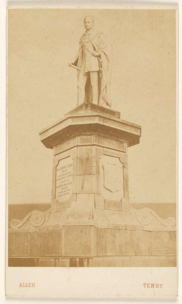 [Monument of Albert of Saxe-Coburg-Gotha, prince Consort of Queen Victoria]