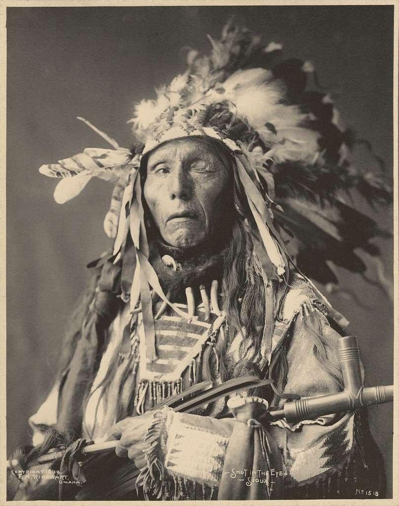 Shot in the Eye, Sioux